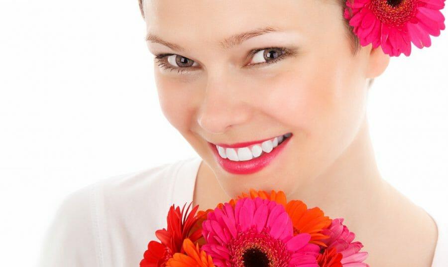 Сияющая улыбка после отбеливания
