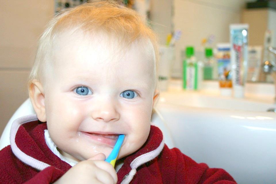 Профілактика дитячого карієсу та його ускладнень.